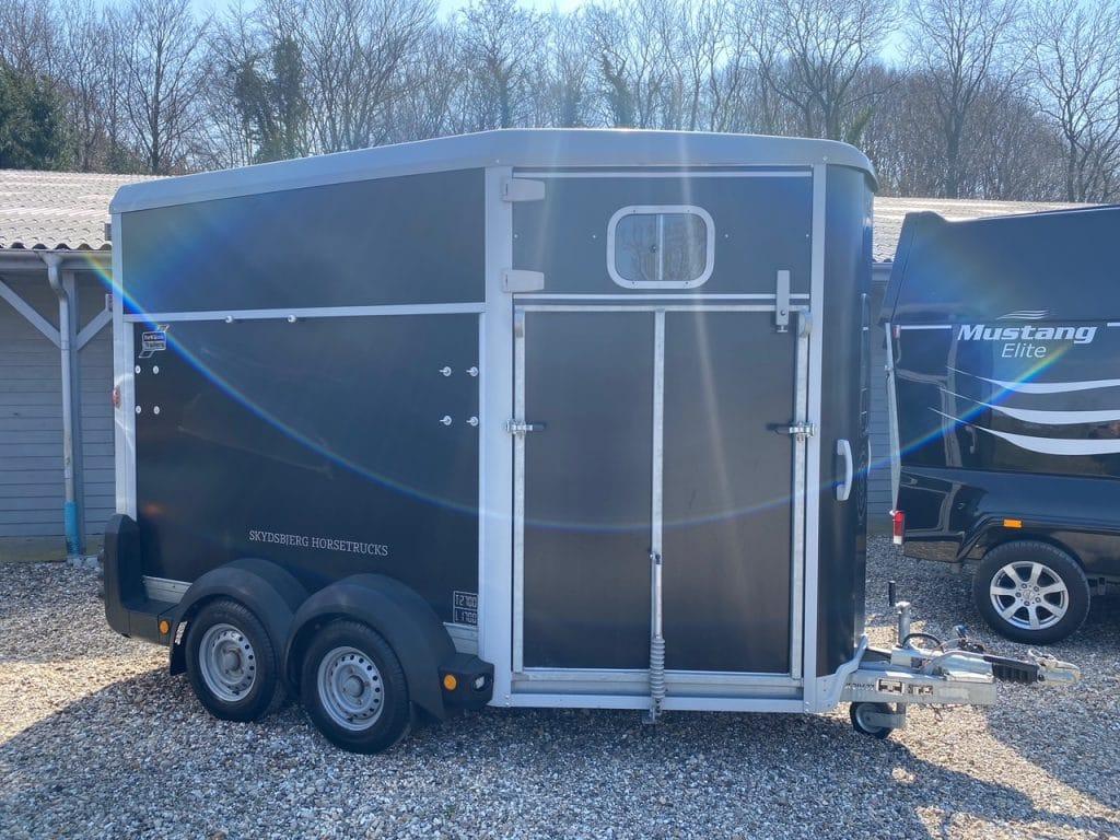 Ifor Williams B511 Premium hestetrailer -